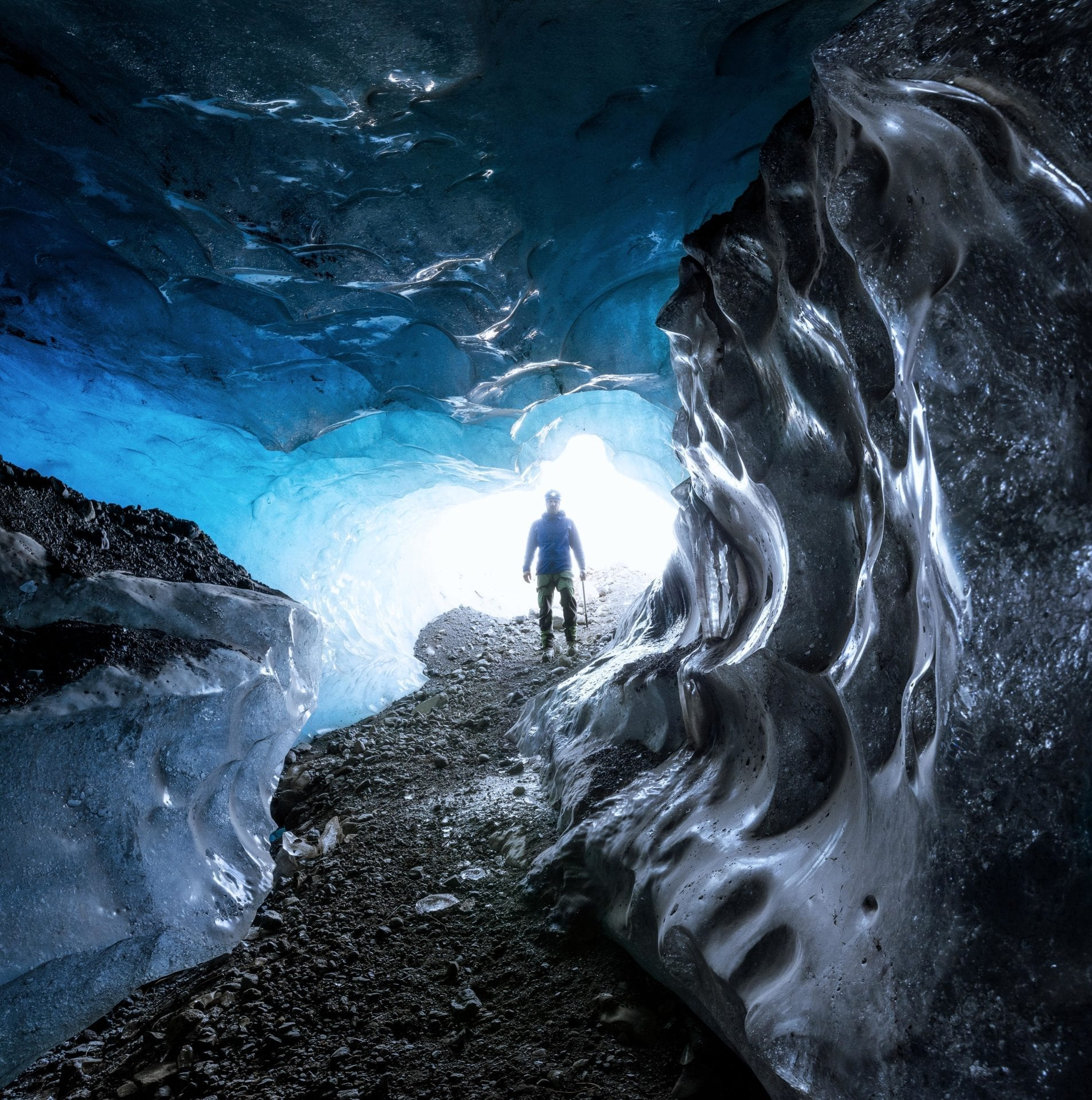 Skaftafell-Ice-Cave-WInter